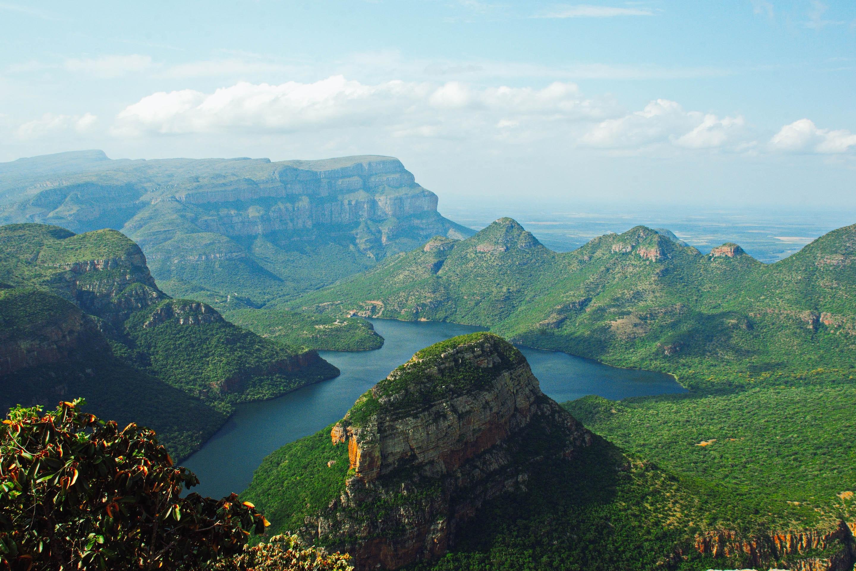 drakensberg south africa hike