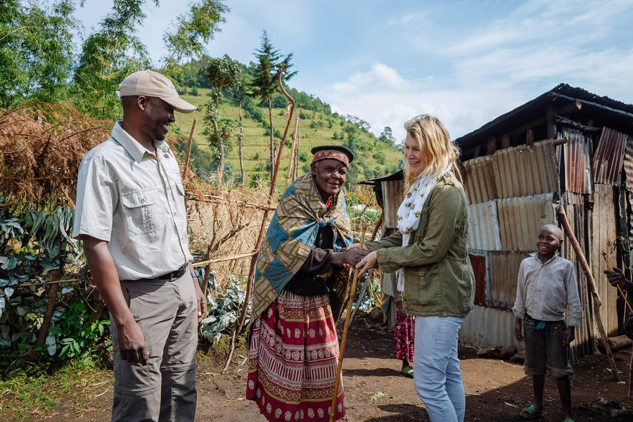 Meet a local Rwandan community