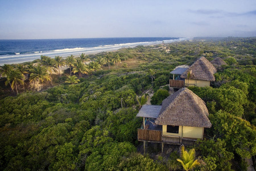Travessia Beach Lodge Inhambane Mozambique Budget Beach Holiday