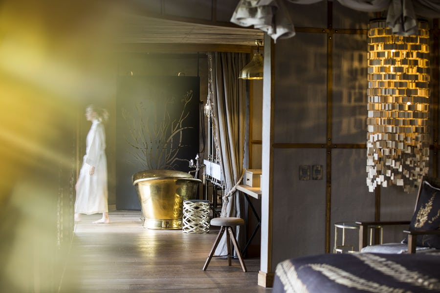 Honeymoon little Mombo okavango delta botswana top lodges for a royal
