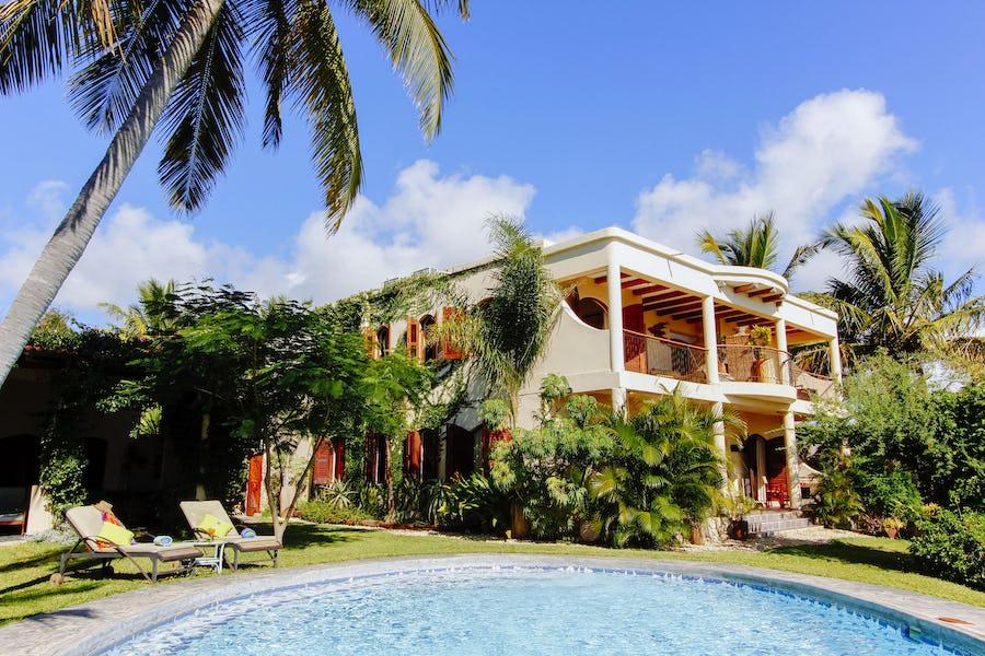 Casa Rex Vilanculos Mozambique Budget Beach Holiday