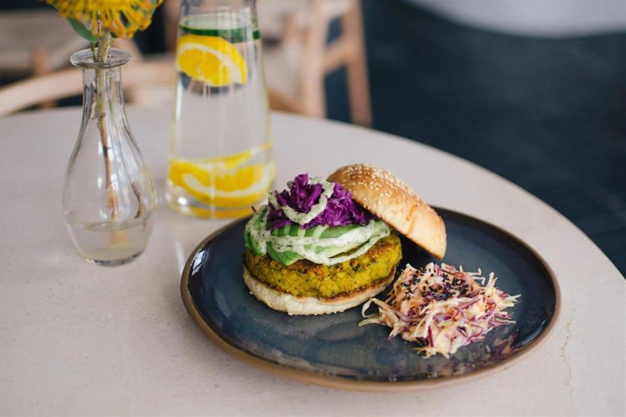 Top 10 breakfast spots Cape Town - harvest