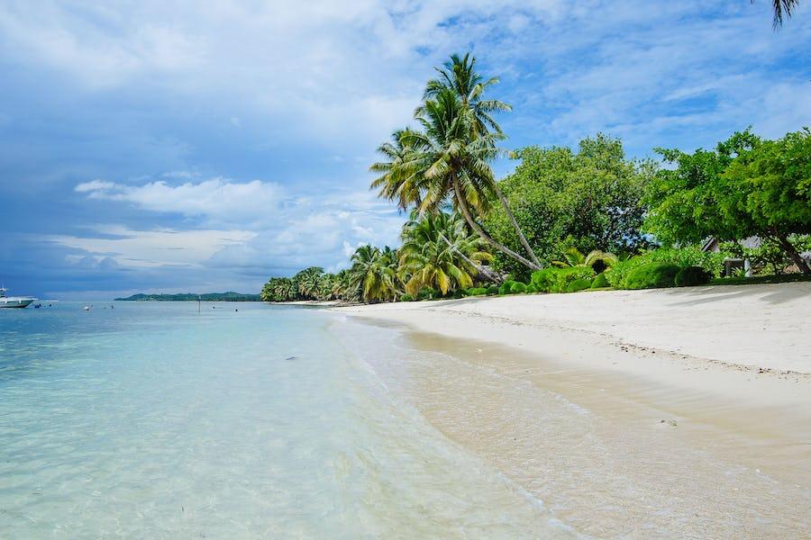 Best beaches for bookworms - princesse bora