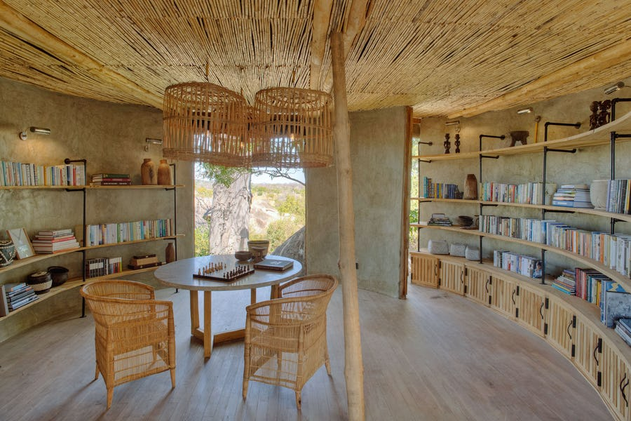 Top 5 safari libraries in Africa - jabali ridge