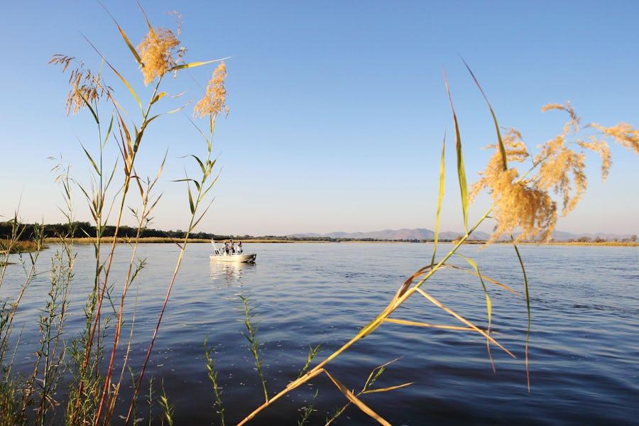 Water safaris - anabezi