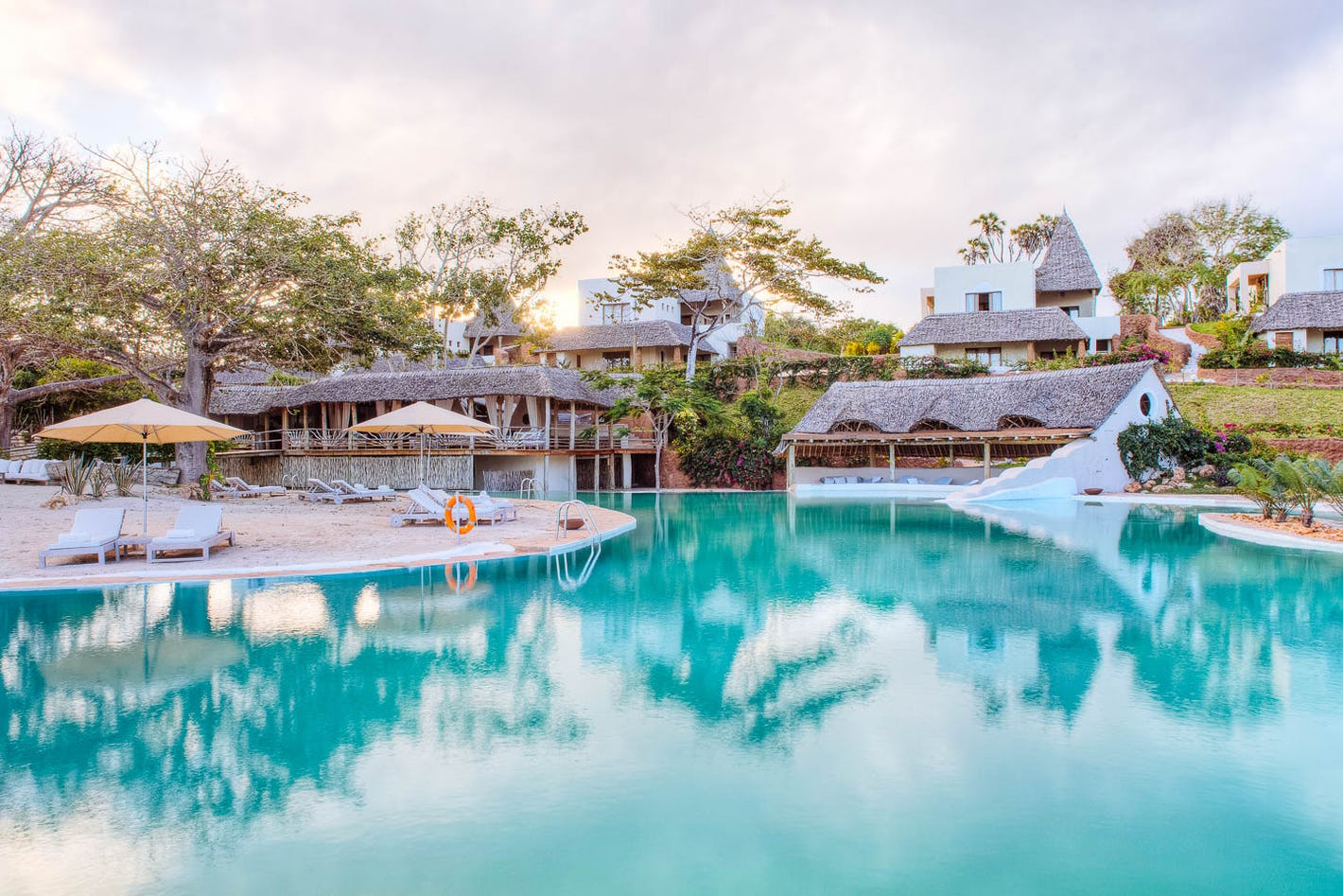 Design your msambweni beach holiday online timbuktu travel for Pool designs under 50 000