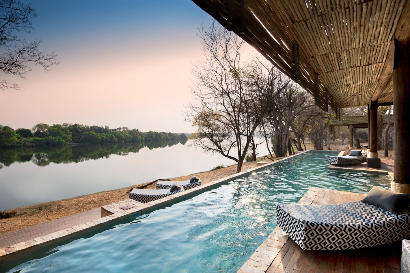 Design your zimbabwe safari online timbuktu travel for Fine hotels of the world