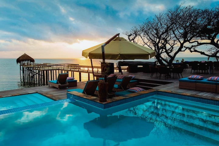 Dugong beach lodge mozambique timbuktu travel for Pool designs under 50 000