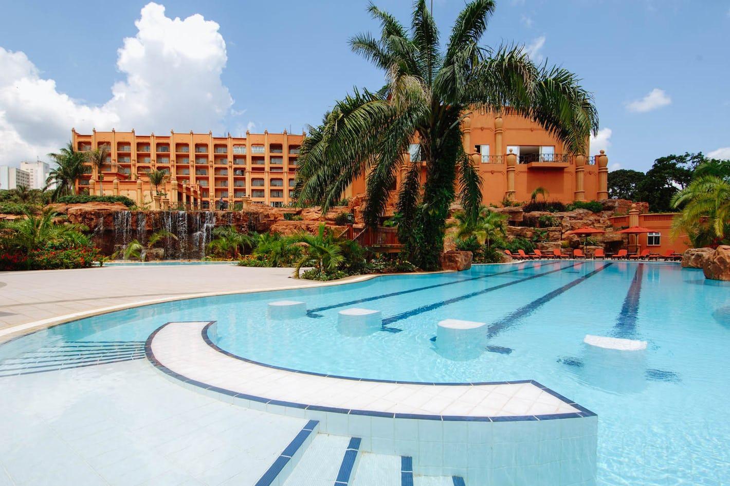 Kampala serena hotel uganda timbuktu travel for Knebel design pool ug